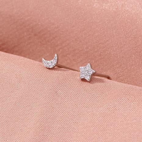 aretes mini simples de circonitas con luna y estrella NHAN325911's discount tags