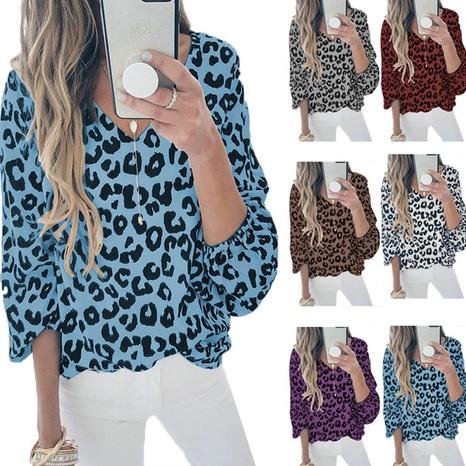 Nouveau T-shirt décontracté à col en V et manches lanterne à imprimé léopard Femme NHWA327605's discount tags