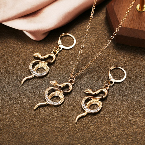 Schlangenförmiges, eingelegtes Strasshalsketten- und Ohrringset, zweiteilig NHPJ327875's discount tags