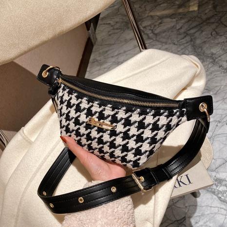 sac banane à chaîne à carreaux de couleur contrastante NHLH328713's discount tags