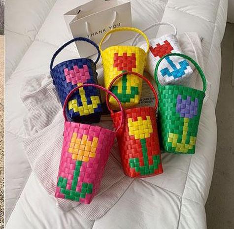 Korean flower heart woven portable bag NHTG328736's discount tags