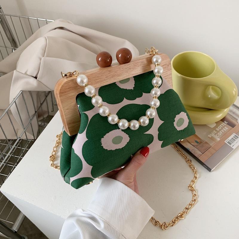 Fashion contrast color chain wooden handle pearl handbag NHTG328755