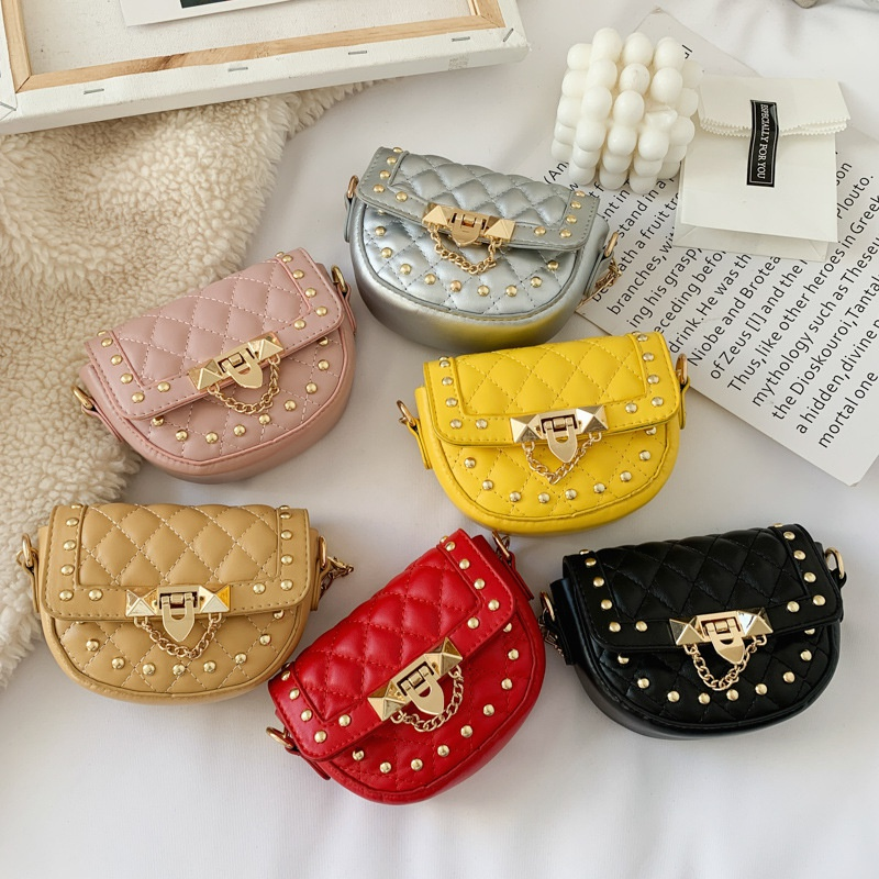 Korean childrens rhombic chain shoulder messenger bag NHTG328756