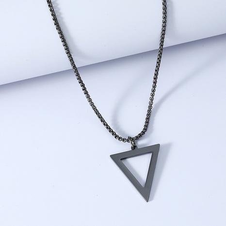 Einfache Halskette aus schwarzem Dreieck aus Titanstahl NHACH330089's discount tags