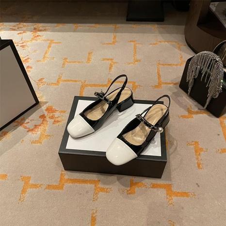 zapatos de tacón grueso con punta cuadrada de color retro en contraste NHHU330271's discount tags