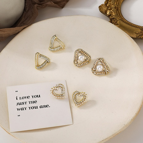 Simple pearl rhinestone triangle earrings NHMS319866's discount tags