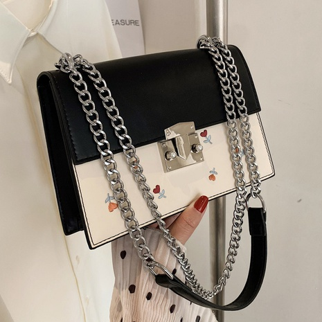 Fashion embroidered chain shoulder bag NHTG320336's discount tags