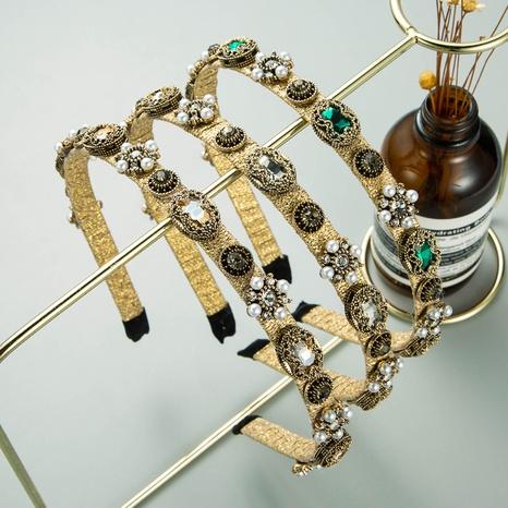Goldenes Perlenblumen-Strass-Stirnband im Barockstil NHLN321061's discount tags