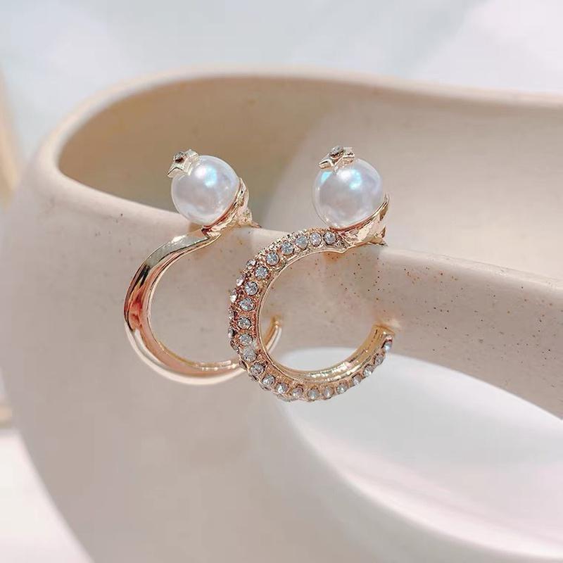 Metal Cshaped Pearl Diamond Earrings NHAQ321319
