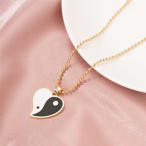 collier à pendentif chaîne en forme de coeur NHAI321529's discount tags
