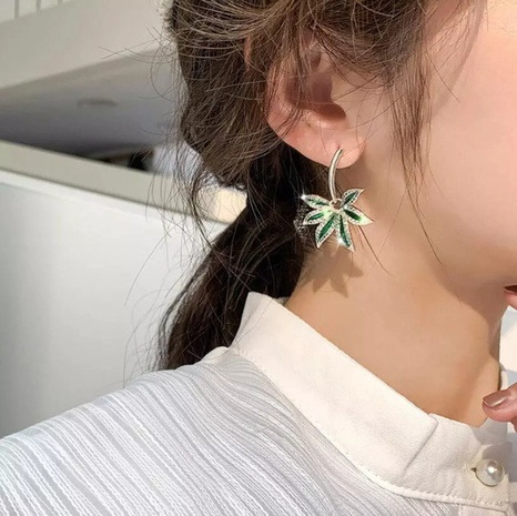 Boucles d'oreilles diamant feuille de palmier style coréen NHOT321640's discount tags