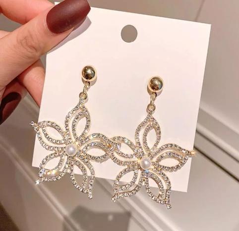 boucles d'oreilles simples pétales de diamant NHOT321639's discount tags