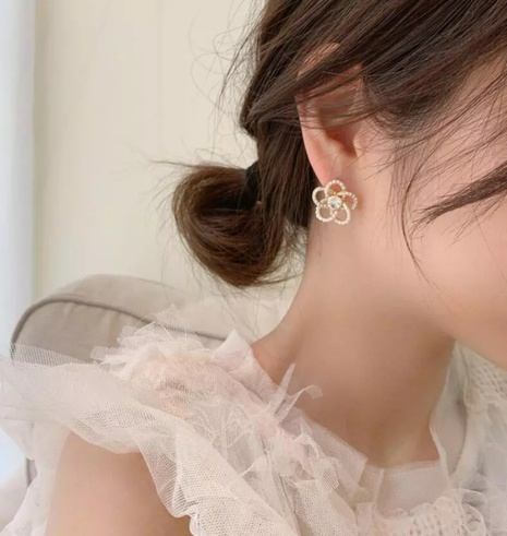 simple flower imitation pearl earrings NHOT321638's discount tags