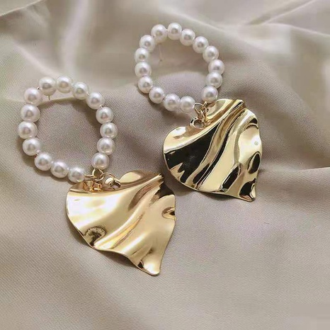 Pearl love exaggerated big earrings NHOT321629's discount tags