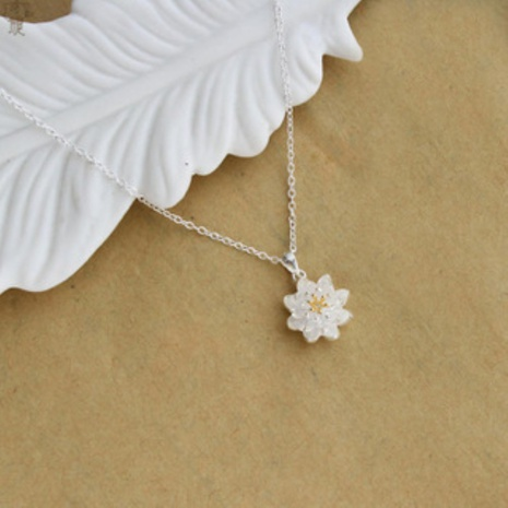 Simple lotus short alloy pendant NHKL331026's discount tags