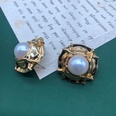 NHOM1551838-White-pearl-stud-earrings
