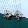 NHOM1551842-Green-diamond-shaped-ear-studs-3.12.3-cm