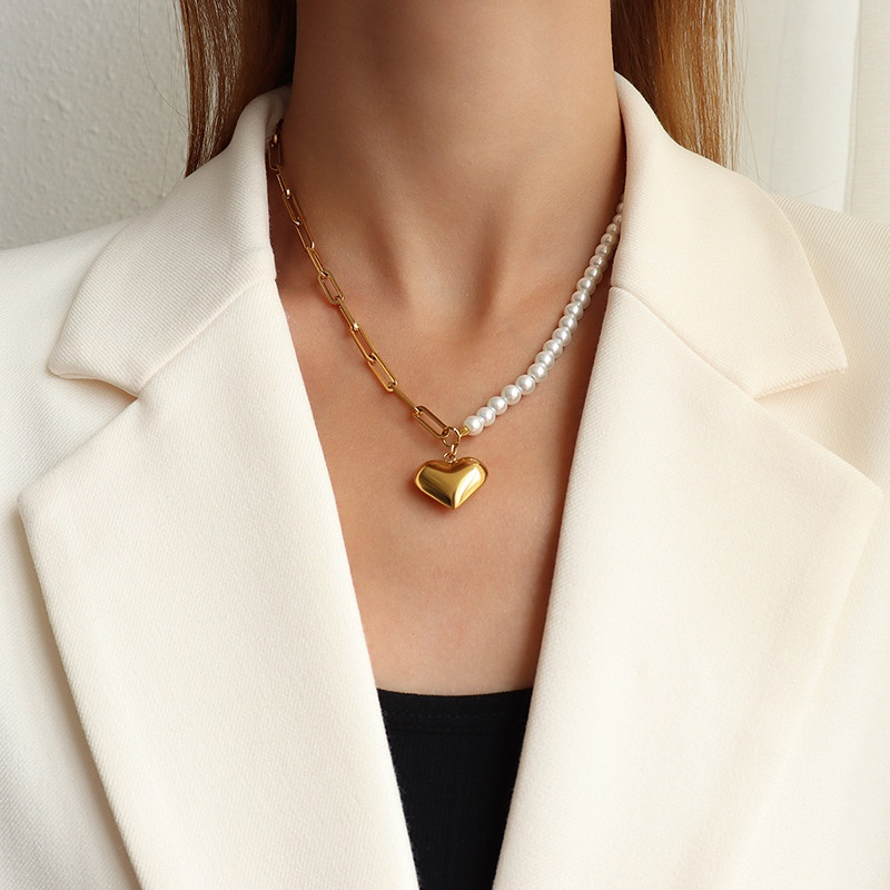 Fashion imitation pearl heartshape titanium steel necklace wholesale NHOK336310