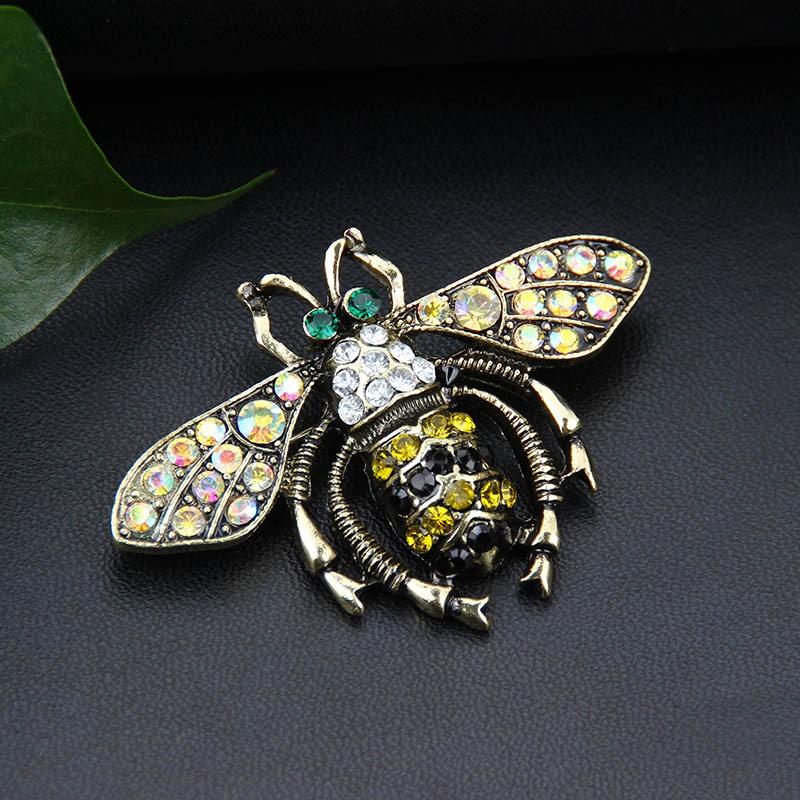 Retro bee butterfly alloy brooch wholesale NHAYN336551