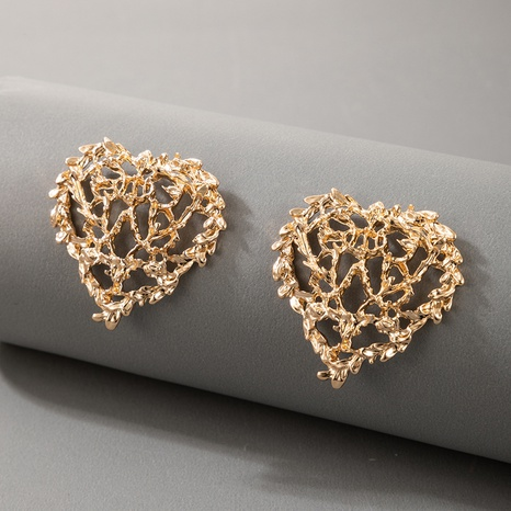 aretes de corazón de amor tallado hueco salvaje creativo NHGY336739's discount tags