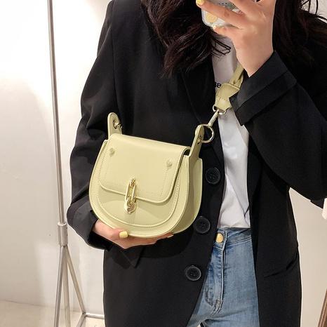 Mode halbkreisförmige Twist Schulter Messenger tragbare kleine Tasche Großhandel NHTG337728's discount tags