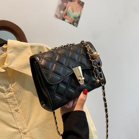 Mode rhombisch gestickte Fadenkette Schulter Messenger kleine quadratische Tasche Großhandel NHTG337735's discount tags