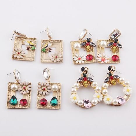 Mode Biene Diamant besetzt Perlen Metall Ohrringe Großhandel NHWJ338259's discount tags