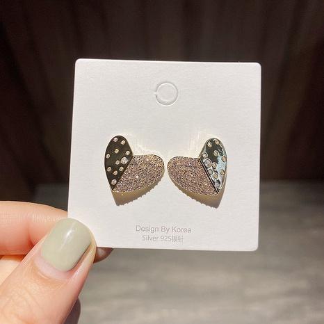 Boucles d'oreilles en forme de cœur micro-incrustées de zircon coréen NHCG339902's discount tags