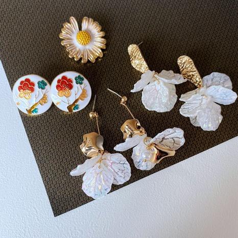 Fashion Shell White Petals Daisy Brooch Earrings NHOM339949's discount tags