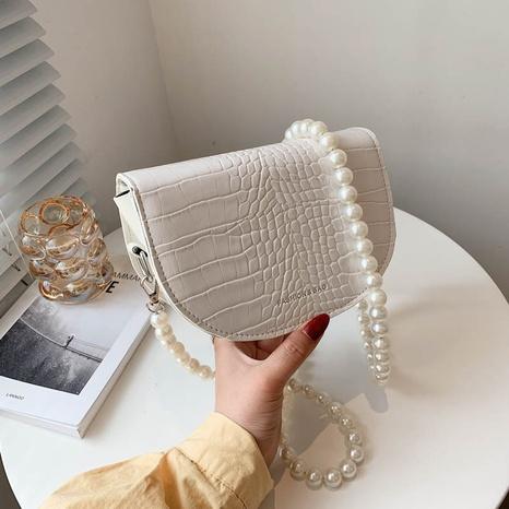 Mode Perlenkette halbkreisförmige Steinmuster Umhängetasche Großhandel NHXC341262's discount tags