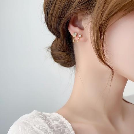 Corée boucles d'oreilles en cuivre zircon micro-incrusté étoile à six branches en gros NHMS341396's discount tags