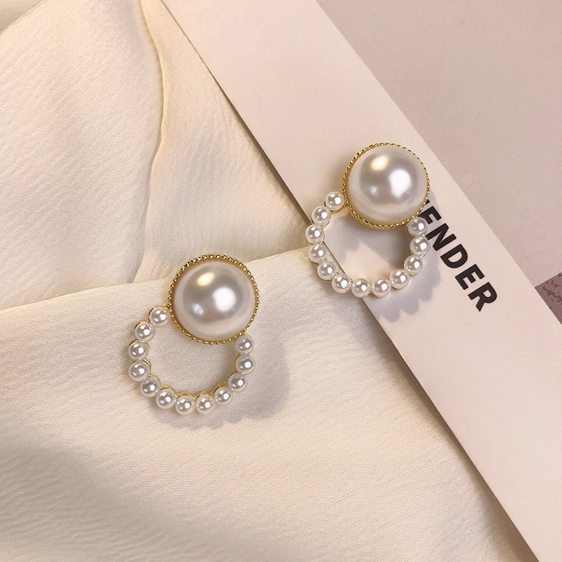 Fashion geometric round pearl alloy earrings wholesale NHWB341464