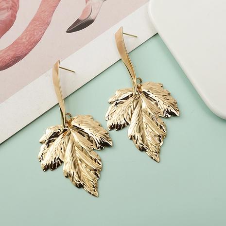Boucles d'oreilles longues en alliage de feuille d'érable de mode en gros NHQIY341584's discount tags