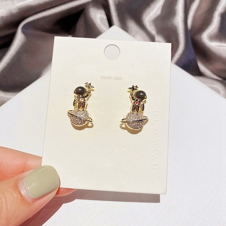 wholesale Boucles d'oreilles astronautes micro-incrustées de zircon coréen NHCG342048's discount tags