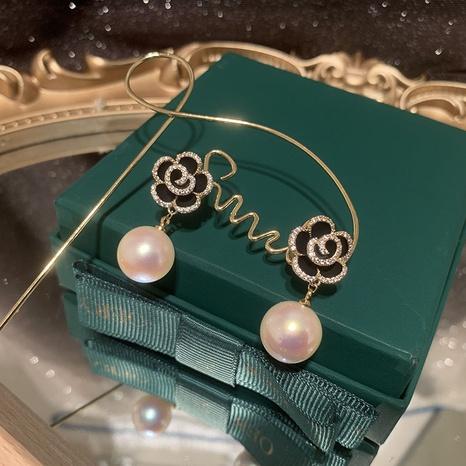 Boucles d'oreilles à la mode perle camélia gland cuivre zircon en gros NHWK342093's discount tags