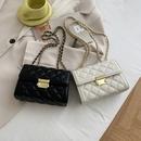 Fashion rhombic chain shoulder messenger small square bag wholesale NHWH343090