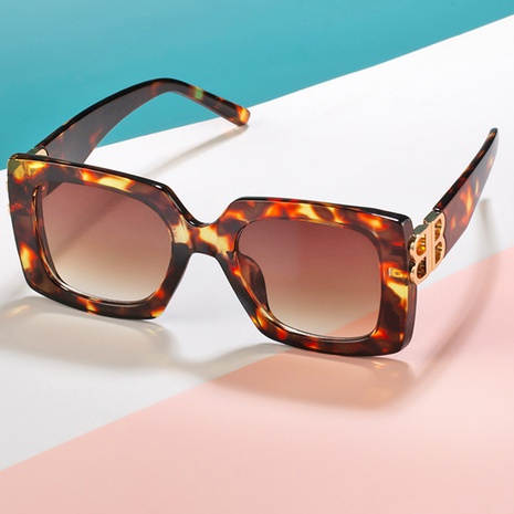nouvelles lunettes de soleil à grande monture de style de mode NHLMO344411's discount tags
