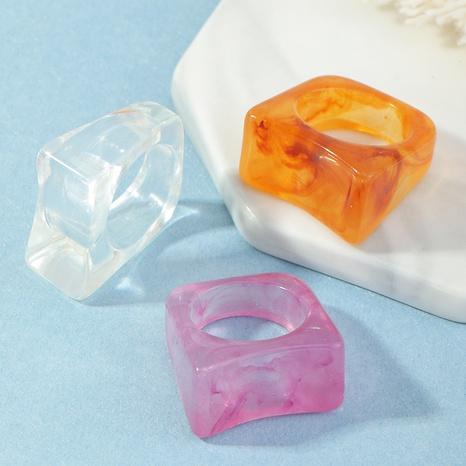 anillo de resina con patrón geométrico irregular transparente NHNZ331583's discount tags