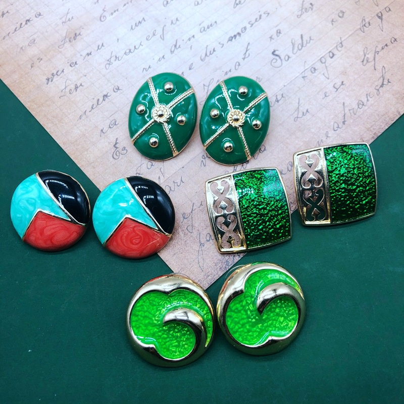 Retro emerald green drip glaze alloy earrings NHOM333173