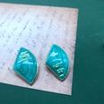 NHOM1537803-Green-fan-shaped-ear-clip-3.72.2-cm