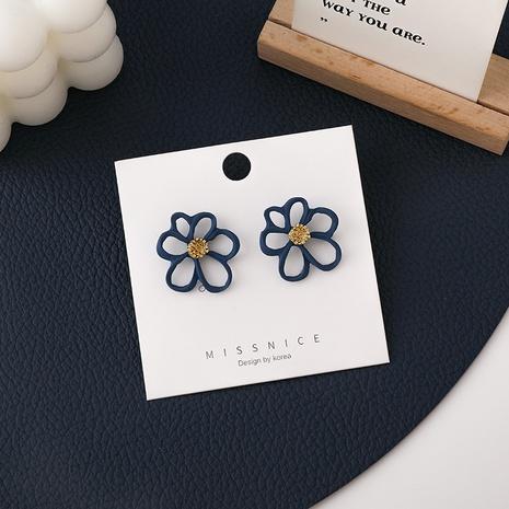 Boucles d'oreilles coréennes simples de pétales de fleurs creuses en gros NHMS349069's discount tags