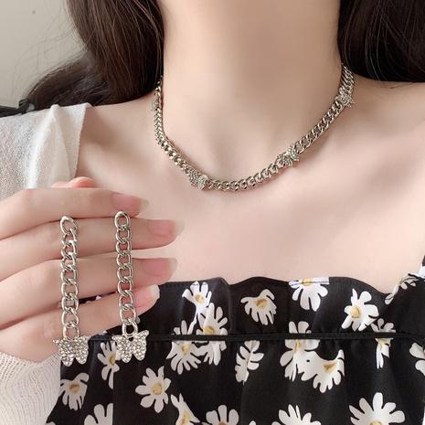 Boucles d'oreilles collier en alliage strass papillon à chaîne épaisse de mode en gros NHANR349309's discount tags