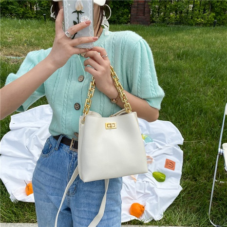 Mode einfarbig dicke Kette Schulter Messenger tragbare Tasche Großhandel NHRU350536's discount tags