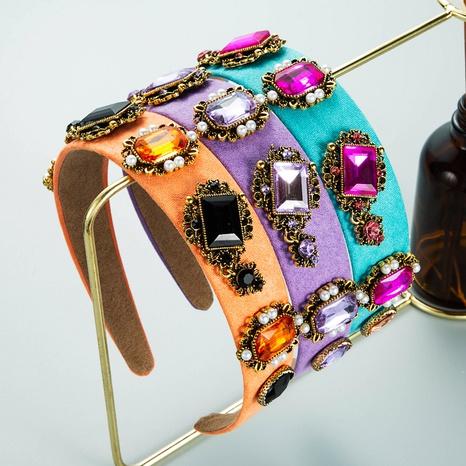 Bandeau en tissu de couleur à la mode Accessoires de cheveux en strass perle baroque NHLN352282's discount tags
