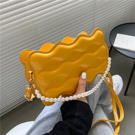 Mode Perlenkette geometrische einfarbige Umhängetasche NHXC354508's discount tags
