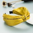 NHLN1643921-yellow