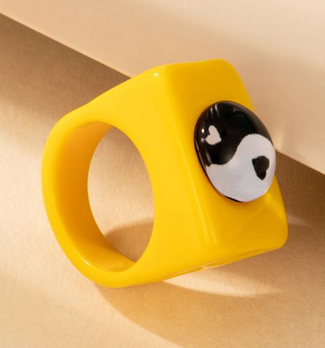 nuevo estilo de moda amor de dibujos animados anillo de resina amarilla NHGY354915's discount tags
