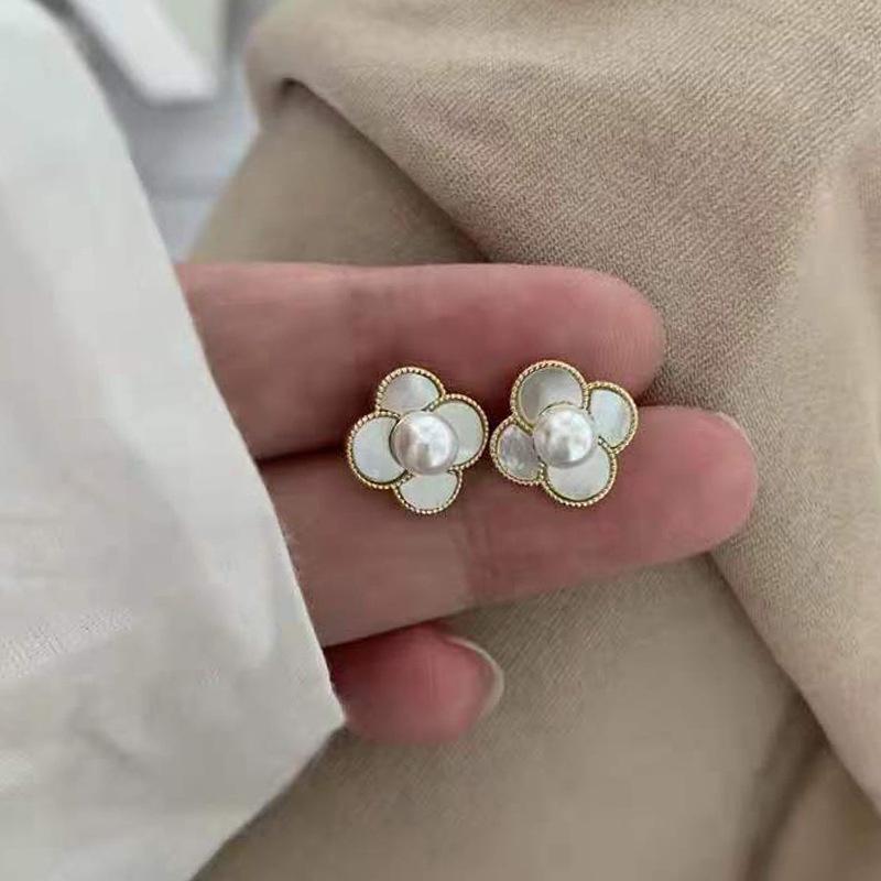 fashion pearl small flower earrings wholesale  NHXI357655