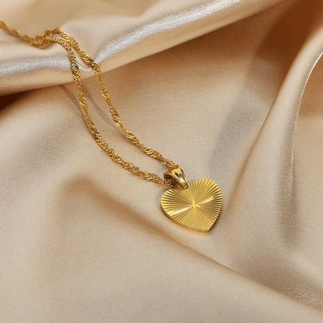 Collar de acero inoxidable de oro de 18 quilates con colgante en forma de corazón retro simple NHJIE359299's discount tags