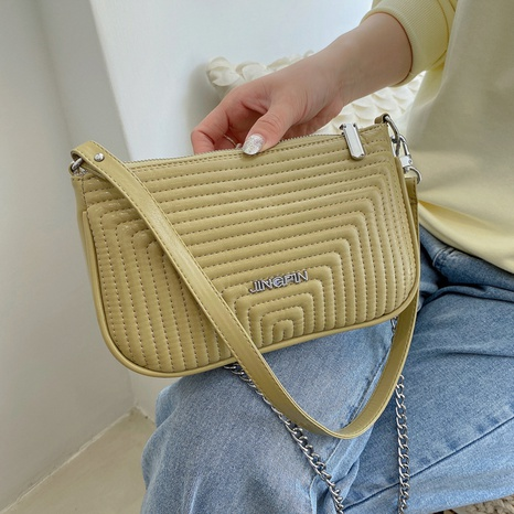 sac à bandoulière à broderie de grande capacité NHJZ345467's discount tags